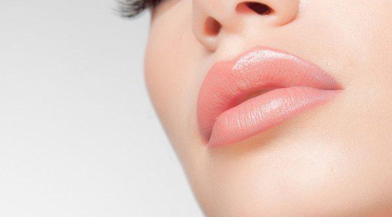 Увеличение губ( препарат Juvederm)